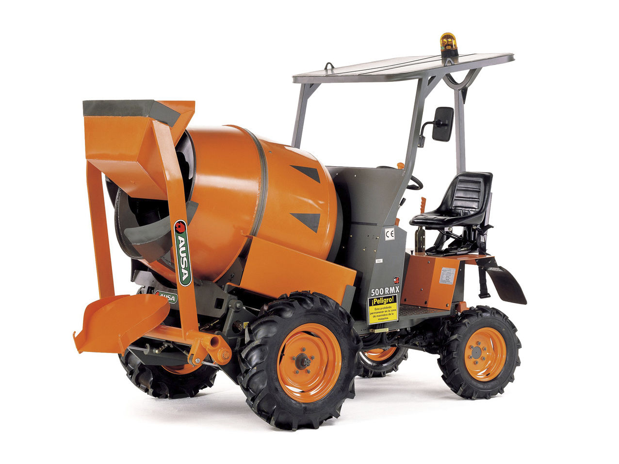 AUSA self-loading concrete mixer