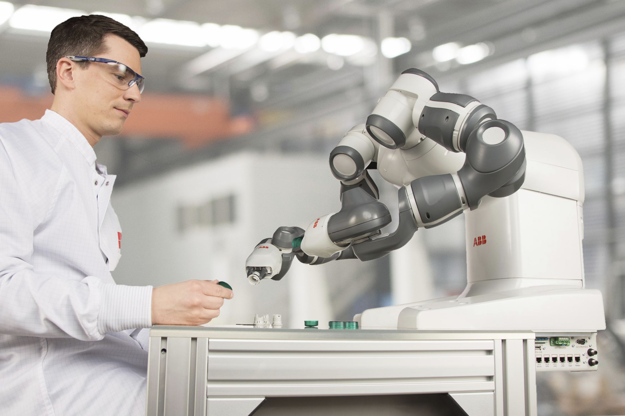 Cobot der Marke ABB Robotics
