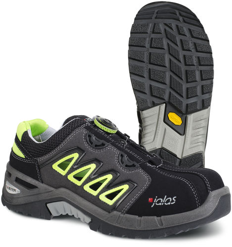 Example of Jalas anti-perforation safety shoes