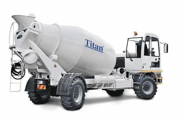 Camião-betoneira da marca Titan Makina
