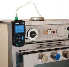 Переносной термометр производителя CHAUVIN ARNOUX